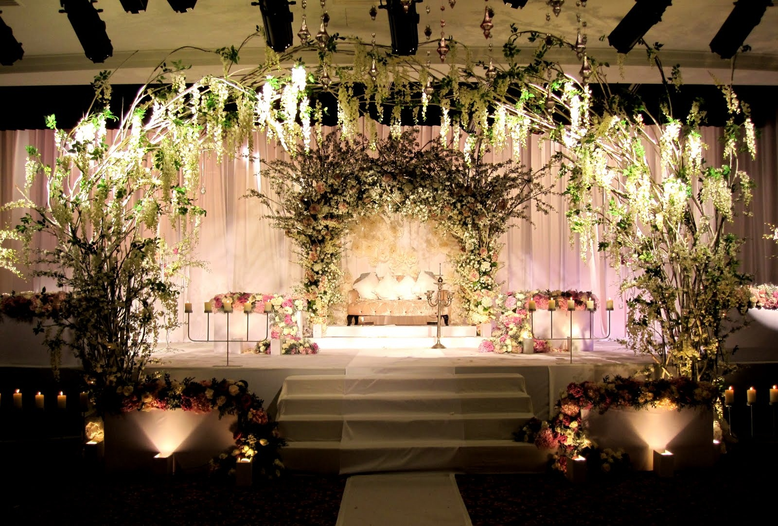 Fleurs et couleurs weddings events decoration for Wedding interior decoration images